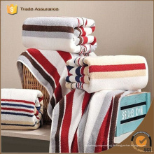 Großhandel kundenspezifische Qualität Bad Handtuch stricken Streifen 100% Baumwolle Badetuch