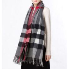 Gettare plaid in puro cashmere