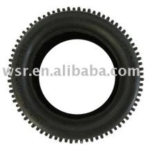 Custom moldeado ruedas de goma de coche de carreras de juguete