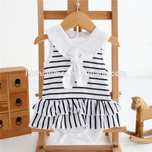 China fábrica baby girl roupas moda plissado macio algodão romper branco e preto despojado bebê romper atacado