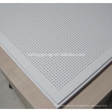 Placa de yeso perforada acústica vendedora caliente del yeso