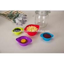 Diseño a medida Precio de fábrica Herramientas de cocina Resistente al calor Impermeable plegable grado de alimentación de silicona de medición de tazas Juego de 4 piezas