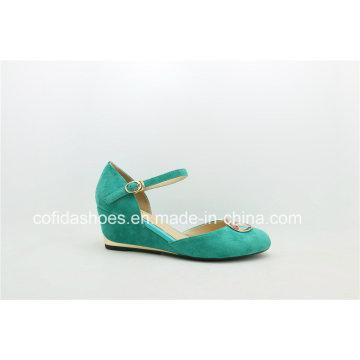 Chaussure à talon compensé en cuir véritable avec motif doux