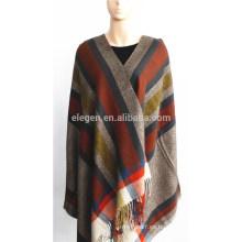 Mantón de acrílico teñido de hilo multicolor