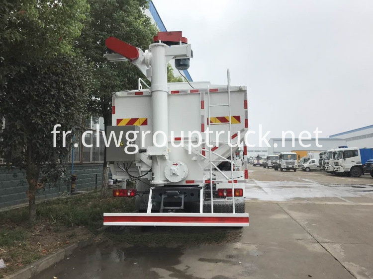 Bulk Feed Carrier 3