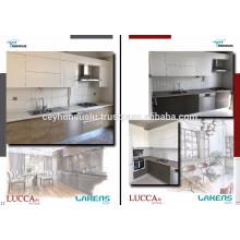 Armário de cozinha modular com alça integrada de alumínio, porta de madeira e lacada