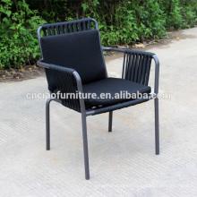 Chaises d'extérieur en métal avec corde