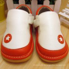 T Strape Baby Boy Schuhe Squeaky Schuhe weich
