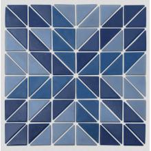Треугольная стеклянная мозаика может быть настроена по индивидуальному заказу