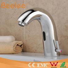 Robinet automatique de robinet de sonde à extrémité élevé en laiton avec l'eau chaude et froide