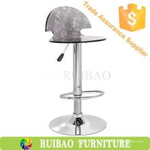 Старомодный прозрачный акриловый паб для отдыха с патио с регулируемой металлической столовой