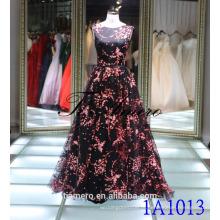 1A1013 Pinturas de flores pretas e vermelhas sem mangas V-Aberta Vestido de noiva com vestido de baile New Design 2016