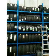 sistema de almacenamiento eficiente para maximizar la capacidad de almacenamiento de neumáticos