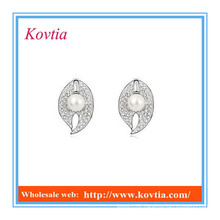 China top ten selling products fancy leaf shape crystal earring imitation pearl earrings cz diamond stud earrings