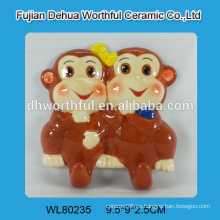 2016 nuevos ganchos de pared de cerámica de diseño en forma de monos dobles