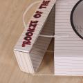 Poignée en plastique faite sur commande portant la boîte en carton ondulée avec la fenêtre de PVC