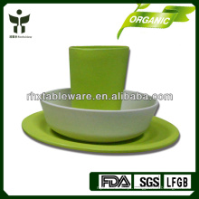Estilo de vida verde com utensílios de mesa de bambu