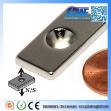 """N42 Rechteck Neodym Magnet 1X1 / 2X1 / 8 """"W / One # 6 Senkung Loch"""
