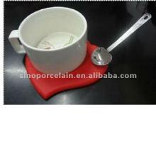 Notícia- caneca de porcelana com coaster de silício com colher de aço para BS120905