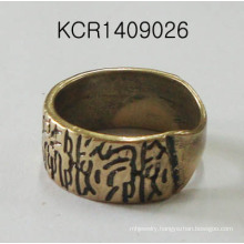 Retro Ring with Metal Jewellery