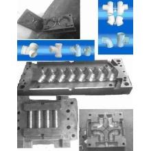 Raccord pour tubes PVC moules