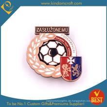 Benutzerdefinierte hochwertige Backen fertig Eisen Pin Abzeichen für Fußball-Wettbewerb