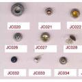 Haute qualité et jeans clin d'oeil à rivets en gros boutons types
