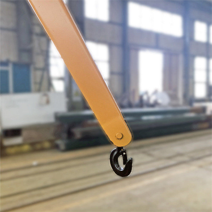 Small folded arm balance crane