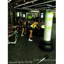 China 2017 Mais Barato Venda Quente Rolo De Borracha / Intelocking Gym Club Floor Indoor