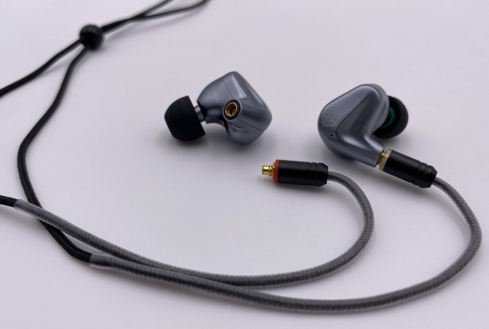Hybrid in-Ear Earphones