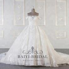 Großhandel Luxus Schulter Brautkleider mit langen Zug Ballkleid