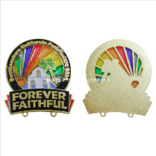 Baixo custo esvaziar Offset impressão Lapel Pin com cor transparente (badge-045)