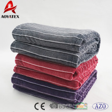 Hot sale solid and thick yarn dyed flannel thorw blanket with best price