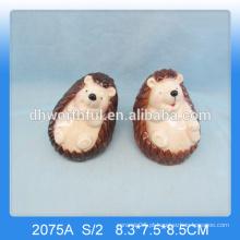 O ornamento cerâmico do hedgehog do projeto o mais bonito, estatueta cerâmica do hedgehog