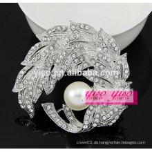 Kristall-Art und Weiseblumenblatt dekorative Brosche