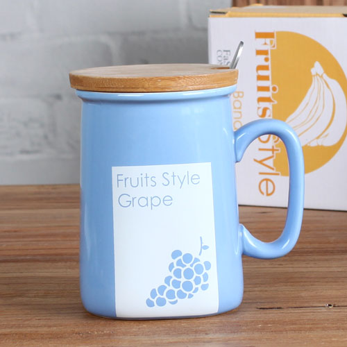 Fruit design mug with lid
