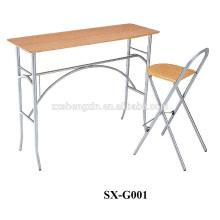 Tabuleiro e cadeira de estudantes dobráveis