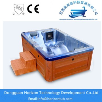 Comfortable 2 persons hot tub