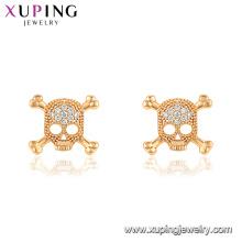 29760 xuping dernières conceptions vente chaude mode crâne forme or diamant boucles d'oreilles