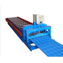 Machine de formage de rouleaux de feuilles de toiture en tuiles émaillées de 840 mm