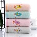 Lenço de toalha de rosto de lavagem de bebê bordado desenho animado