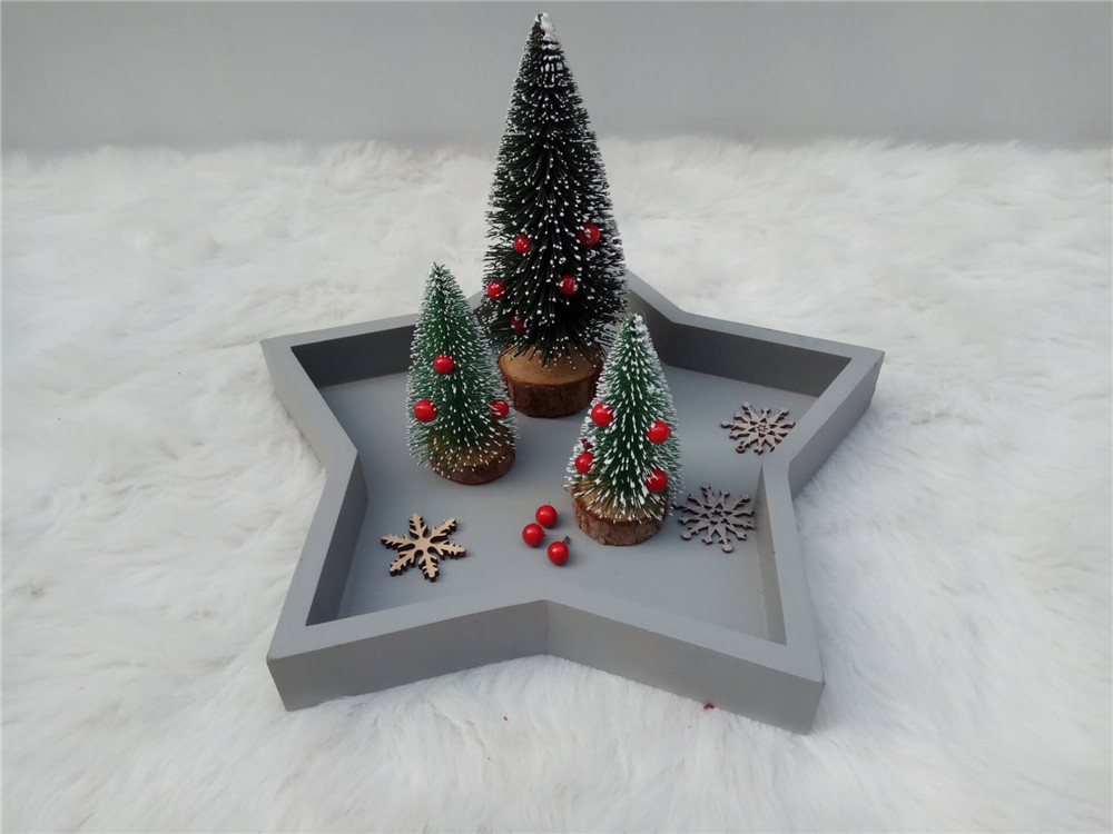 small wooden chirstmas tree
