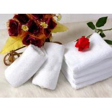32 Jacquard White Modelling Hotel Towel Bath Towel