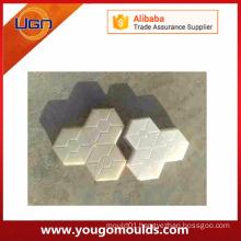Plastic concrete mould for paving stone