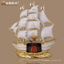 Home Lesesaal Ornament Polyresin Material Segelboot Statue für Business-Geschenk