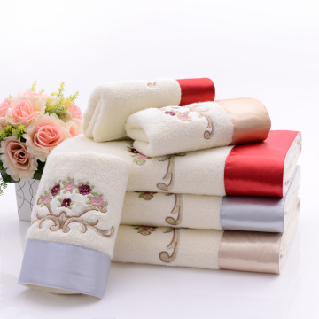 Terry Soft Towels Broderi & Elegant Silk Patch