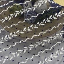 Cirk Leaves Dot Design вышивка на шифоновой ткани