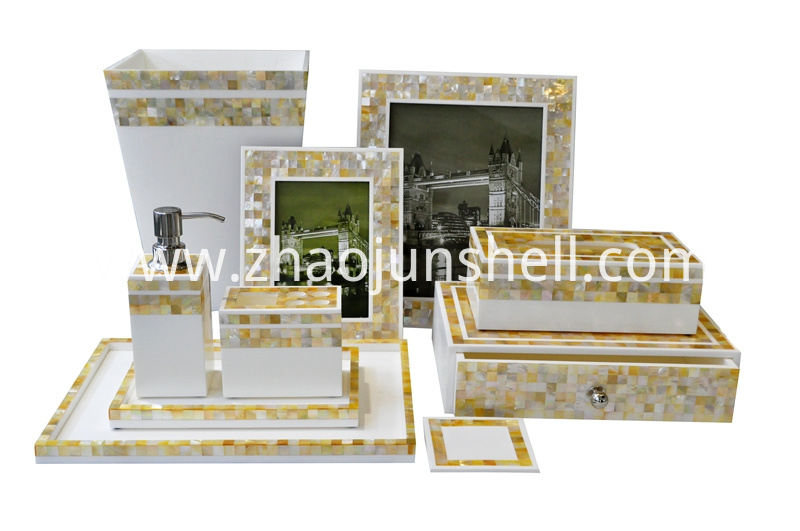 Mosaic Bathroom Accessory Set with Golden Lip Shell