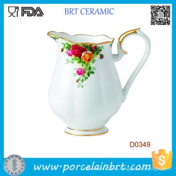 Jarra de agua de cerámica decorativa hermosa flor blanca
