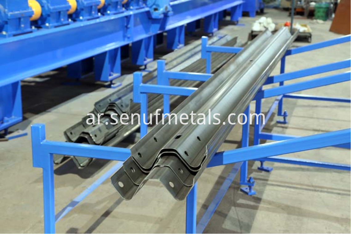 highway guardrail forming machine exit rack (2)